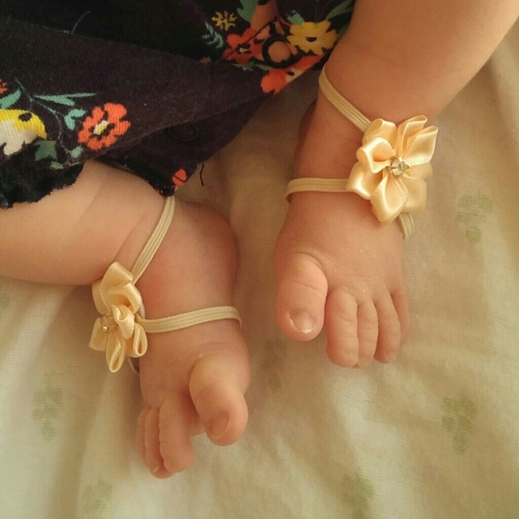 a3dfd962fa3b Itty bitty baby barefoot sandals NWT